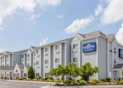 Microtel Inn & Suites by Wyndham Elkhart - Elkhart - Edificio