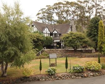 Fox and Hounds Inn - Port Arthur - Outdoors view