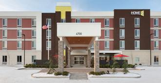 Home2 Suites by Hilton Anchorage/Midtown - Anchorage - Building