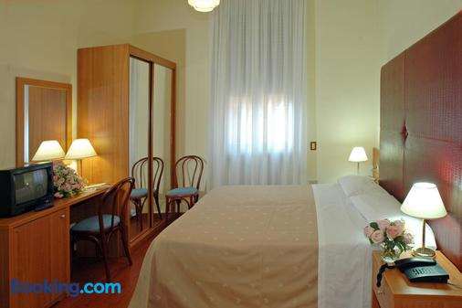 Hotel Centrale Byron - Ravenna - Bedroom