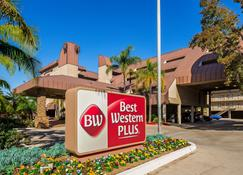 Best Western Plus Irvine Spectrum Hotel - Lake Forest - Building