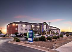 Holiday Inn Express Hotel & Suites Alamogordo Hwy 54/70 - Alamogordo - Rakennus