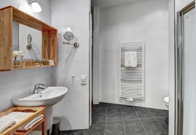 4 Arts Suites - Prague - Bathroom