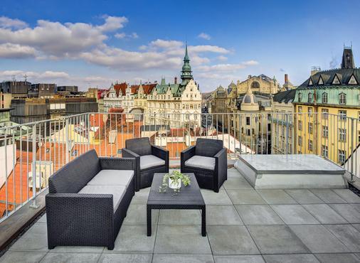 4 Arts Suites - Praha - Parveke