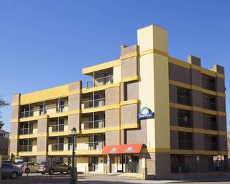 Days Inn by Wyndham Denver Downtown - Denver - Building