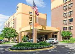 Comfort Inn University Center - Fairfax - Rakennus
