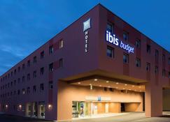 Ibis Budget Zurich Airport - Opfikon - Κτίριο