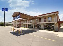 Americas Best Value Inn & Suites Conway - Conway - Building