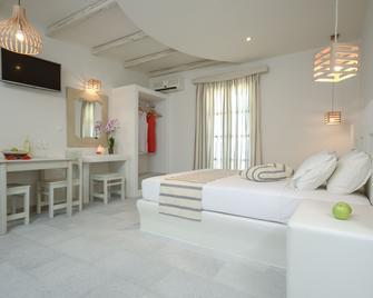 Agnanti Hotel - Agia Anna - Schlafzimmer