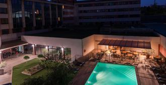 Best Western Hotel Le Galice Centre-Ville - Aix-en-Provence - Piscina