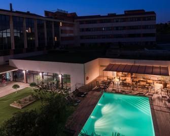 Best Western Le Galice Aix Centre-Ville - Aix-en-Provence - Pool