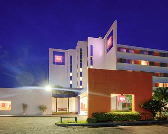 Ibis Manaus Distrito Industrial - Manaus - Building