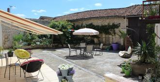 Belle's Retreat - Saint-Jean-de-Sauves - Patio