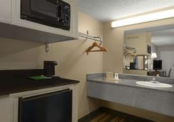 密西西比默里迪恩速 8 酒店 - 美里迪安 - 子午線城 - 臥室