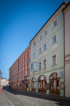 Penzion Restaurant Centrum - České Budějovice - Gebäude