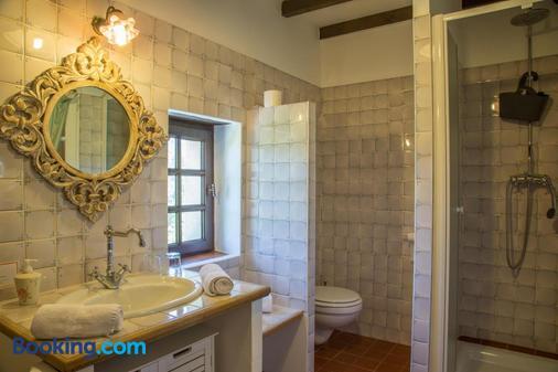 Mas Julien - Orange - Bathroom