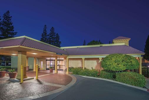 La Quinta Inn Sacramento Downtown - Sacramento - Building