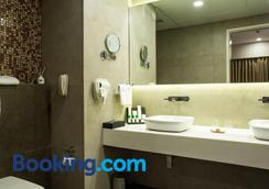 The Fern Residency - Mumbai - Mumbai - Bathroom