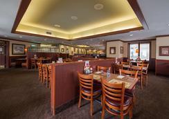 Howard Johnson by Wyndham by the Falls Niagara Falls - Niagara Falls - Restaurant