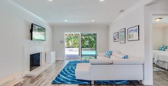 Bright And Airy Spa Oasis Home - Palm Springs - Sala de estar