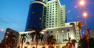 新山豪華藍波酒店 - 新山 - 建築
