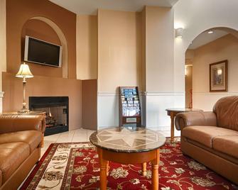 Best Western Plus Bass Hotel & Suites - Leeds - Wohnzimmer