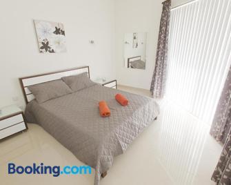 Waterside Apartments - Marsalforn - Schlafzimmer