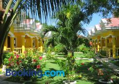 Malapascua Garden Resort - Daanbantayan - Outdoors view