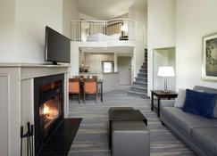 Homewood Suites by Hilton Mont-Tremblant Resort - Mont-Tremblant - Sala de estar
