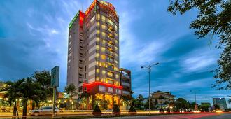 Minh Toan Athena Hotel - דה נאנג