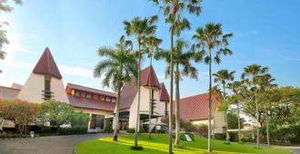 Novotel Surabaya - Hotel & Suites - Surabaya - Edificio