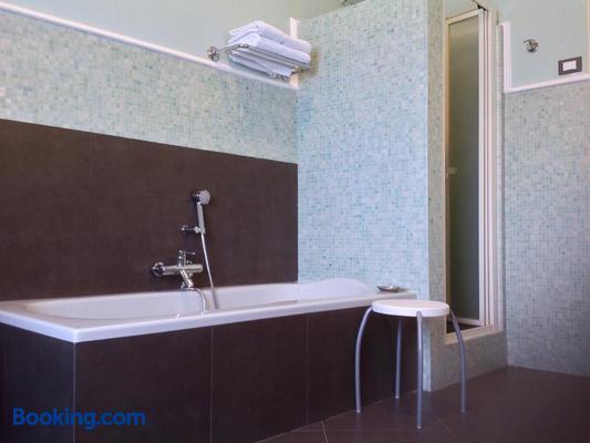 B&B Bruxelles Margherita - Genoa - Bathroom