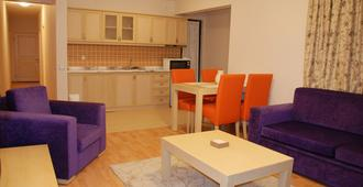 Tuntas Suites Altinkum - Didim - Living room