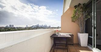 Contemporary Top Floor Apartment - Sydney - Balcony
