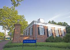 University of Virginia Inn at Darden - Charlottesville - Building