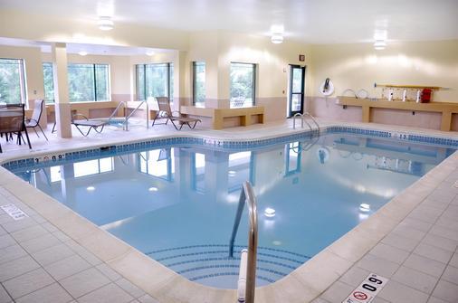 Best Western Plus Kalamazoo Suites - Kalamazoo - Bể bơi