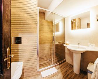 Best Western Bucovina-Club De Munte - Gura Humorului - Bedroom