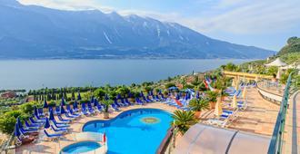 Hotel San Pietro - Limone sul Garda - Uima-allas