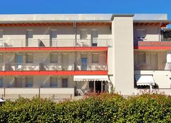 Hotel Residence Sole - Fontanafredda - Gebäude