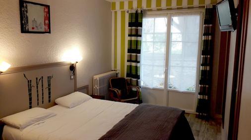 Logis Hôtel l'Essille - Bassac - Bedroom