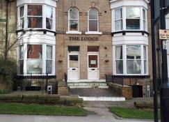 The Lodge - Harrogate - Edificio