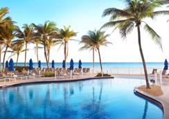 Pelican Grand Beach Resort, a Noble House Resort - Fort Lauderdale - Pool