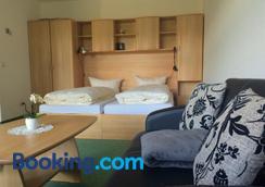 Apartment Sonnenhof Bad Elster - Bad Elster - Bedroom