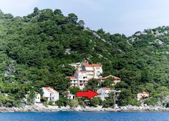 Guest House Sobra - Kozarica - المظهر الخارجي