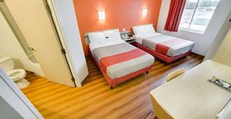 Motel 6 Toronto - Brampton - Brampton - Bedroom