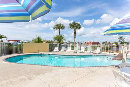 Knights Inn Punta Gorda - Punta Gorda - Pool