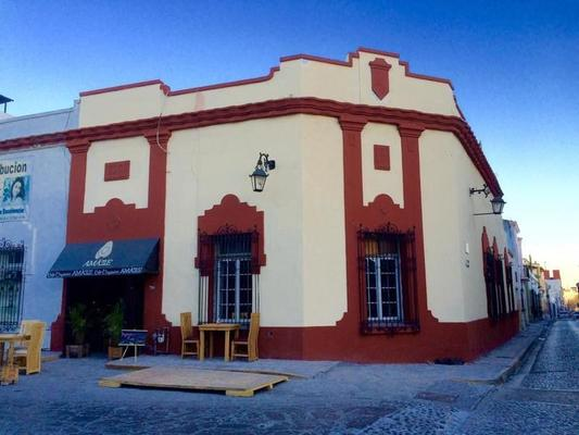 Amatle Cafe Organico & Hostel - Monterrey - Building