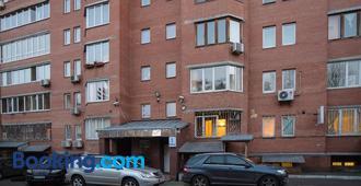 ApartHotel on Klinichna st. (1st entrance) - Kiev
