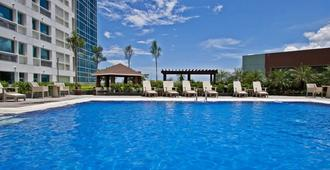 Quest Hotel & Conference Center - Cebu - Cebu City - Pool