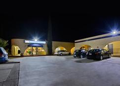 Americas Best Value Inn & Suites Joshua Tree National Park - Yucca Valley - Edificio